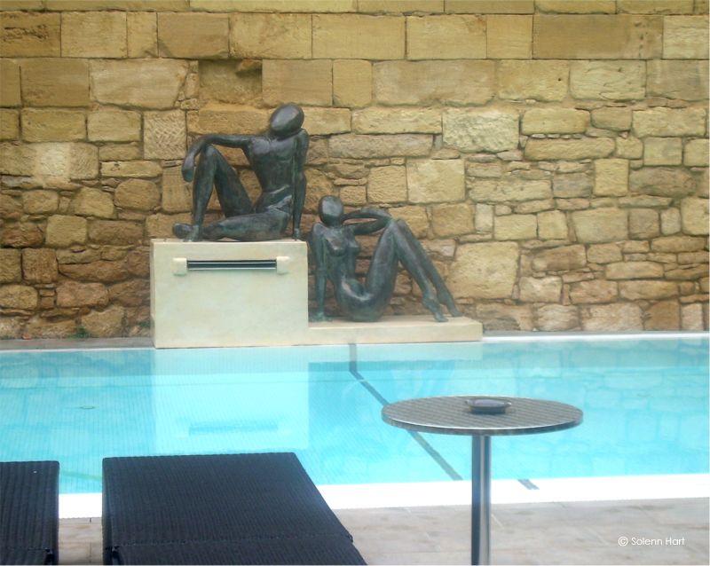 Sculpture monumentale sur commande sculpture exterieur for Piscine la madeleine