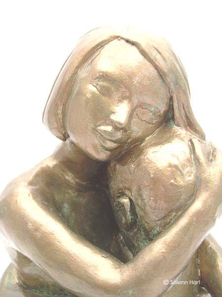 Extrêmement Sculpture d'un couple, homme et femme assis tendrement enlacés VX05