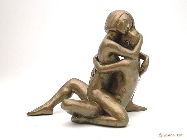 Préférence Sculpture d'un couple, homme et femme assis tendrement enlacés IZ29
